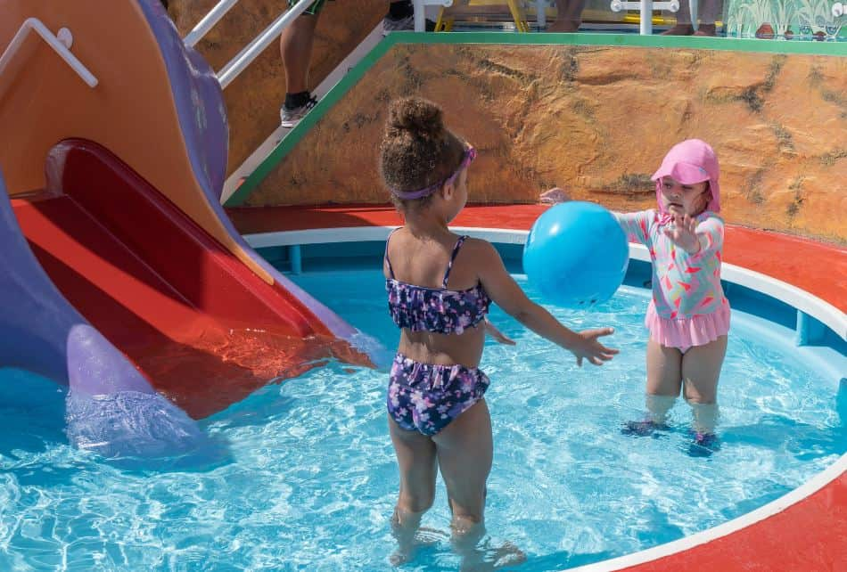 Splash pads are play areas with equipment pieces that spray, mist, or dump water without creating any pools. To make your visit enjoyable and safe, do not forget to bring a bathing suit, sunscreen, towels, water shoes, and first aid kit.